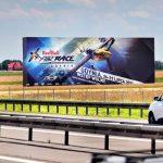 Rozmiar ma znaczenie – wielka reklama działa na polskich drogach.