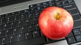 Owoce w biurze – zadbaj o siebie w nowym roku BIZNES, Media i PR - Okres między świętami a Sylwestrem to czas, w którym większość z nas przestaje liczyć kalorie i cieszy się smakiem potraw, często ciężkich i niezdrowych. Po nowym roku warto więc zadbać o swoją dietę oraz odpowiednią ilość ruchu, zarówno w domu, jak i w pracy.