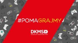 #POMAGRAJMY – seria podcastów o graniu i pomaganiu Fundacji DKMS BIZNES, Media i PR - #POMAGRAJMY to cykl podcastów dostępnych na platformie Spotify oraz YouTube. Projekt ma na celu edukację słuchaczy na temat idei dawstwa szpiku oraz zachęcenie ich do rejestracji online i wsparcia działań Fundacji DKMS.